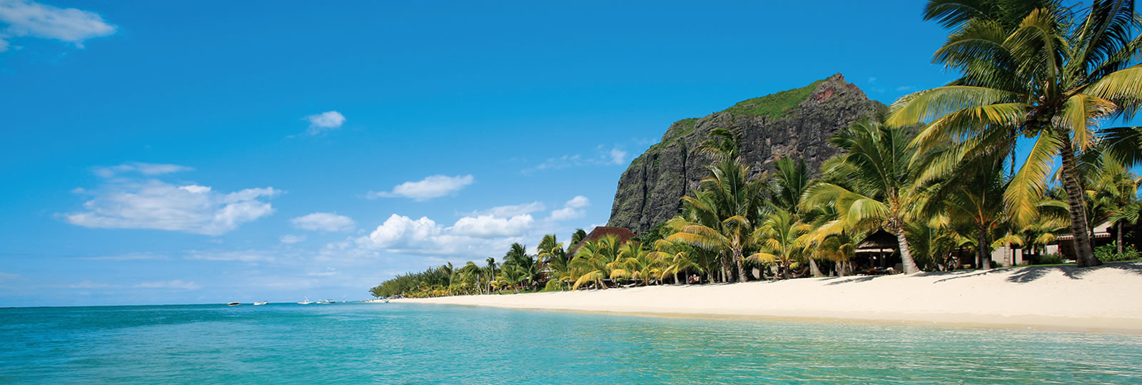 LUX-_Le_Morne,_5-_Hotel_in_Mauritius.jpg