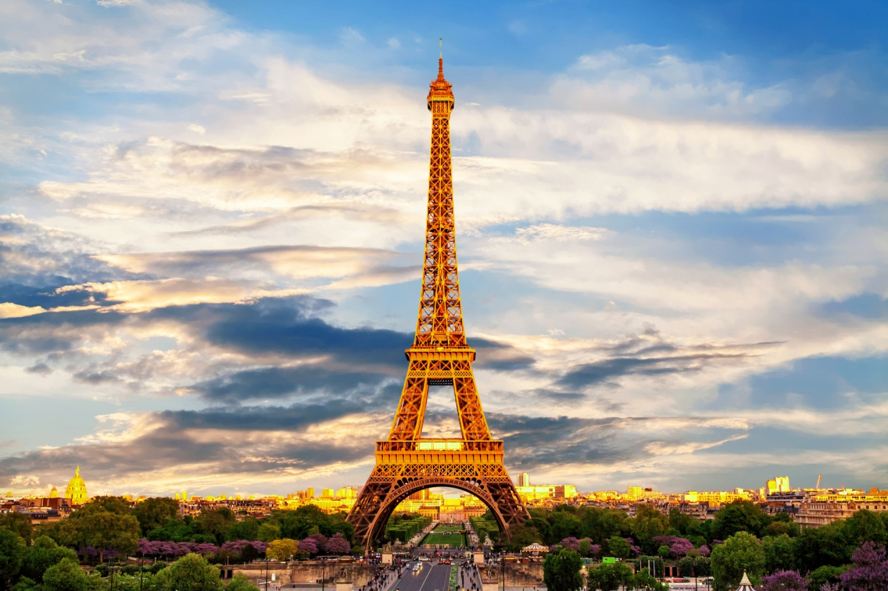 eiffel-tower-in-paris-151-small.jpg