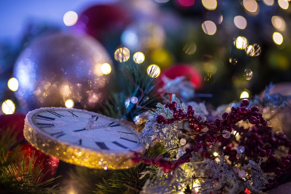 christmas-background-2985552_960_720.jpg