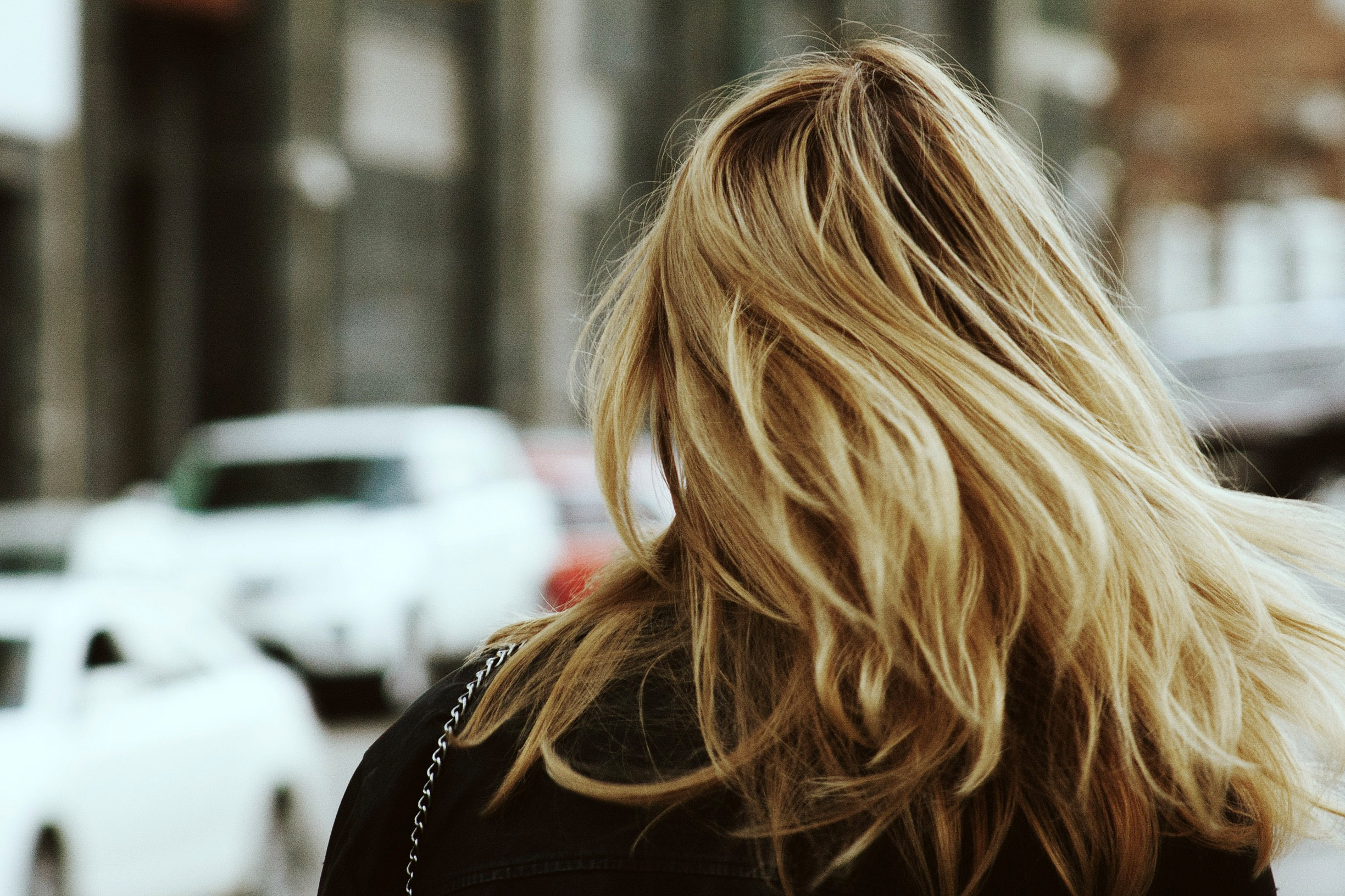 back-of-womens-head-with-blonde-hair.jpg